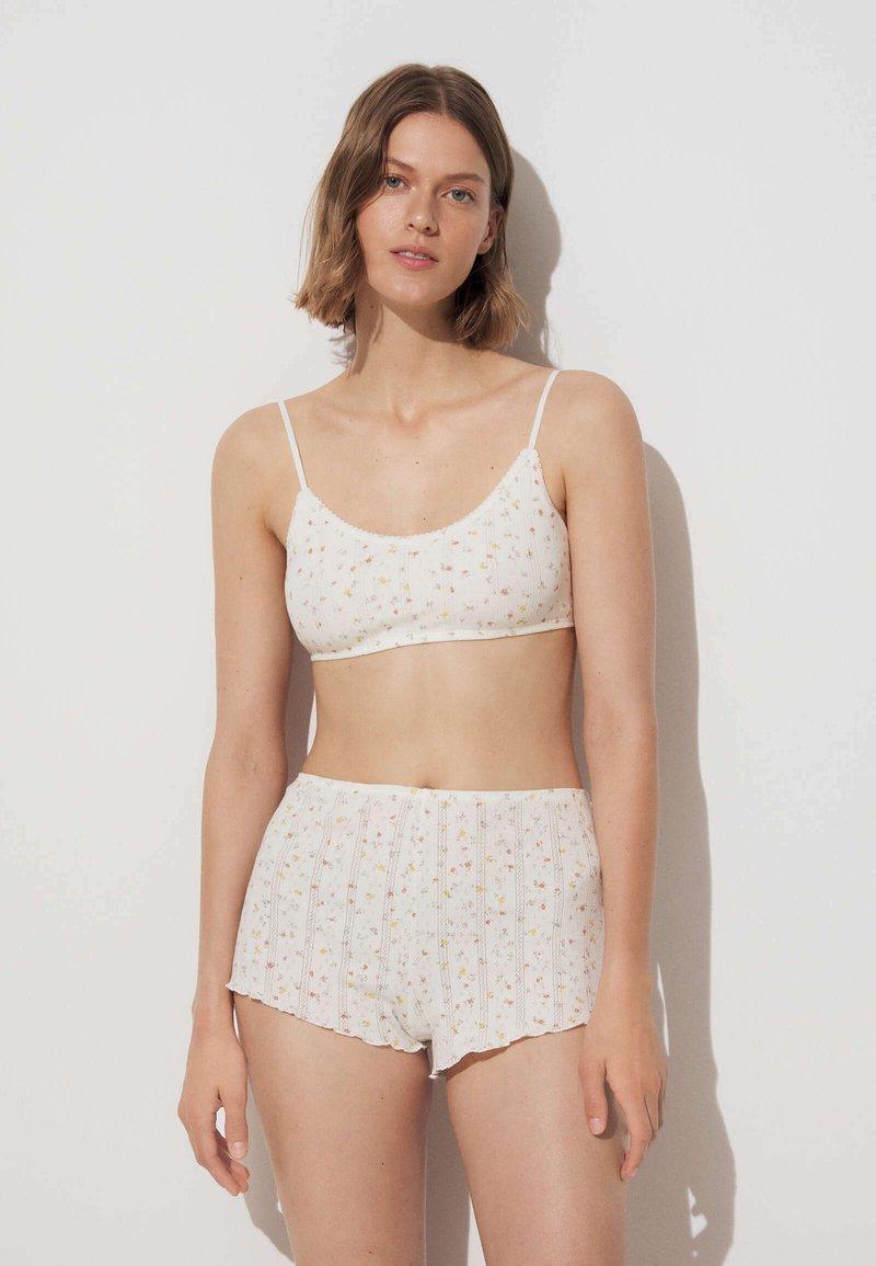 OYSHO - Shorts - off white