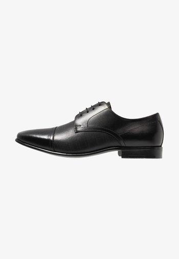 BANKS - Stringate eleganti - black