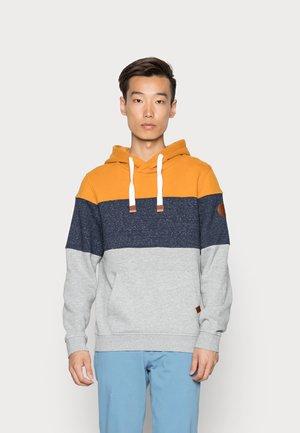 HOODIE WITH FABRIC MIX - Sweatshirt - flame brown