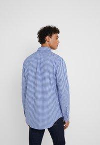 Polo Ralph Lauren - CUSTUM FIT OXFORD - Shirt - blue/white gingham - 2