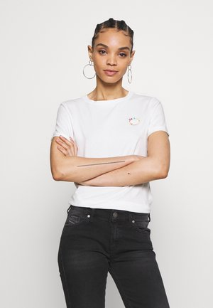 FITTED TEE WITH CHEST ARTWORK - T-shirts med print - offwhite