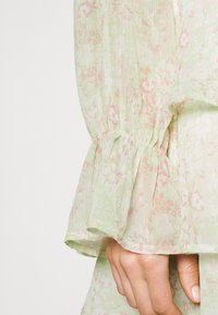 Gina Tricot - EXCLUSIVE ARCHER - Blouse - green ditsy - 3