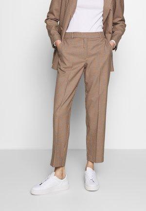 SLFEMILO LEA CROPPED PANT CHECK - Pantalon classique - cornstalk