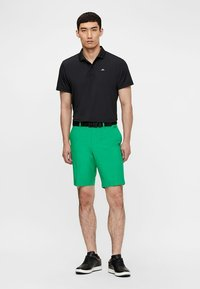 J.LINDEBERG - ELOY - Outdoor shorts - stan green - 1