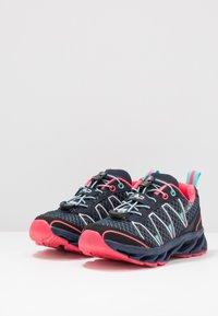 CMP - KIDS ALTAK SHOE 2.0 - Zapatillas de senderismo - navy/pink fluo/marina - 3