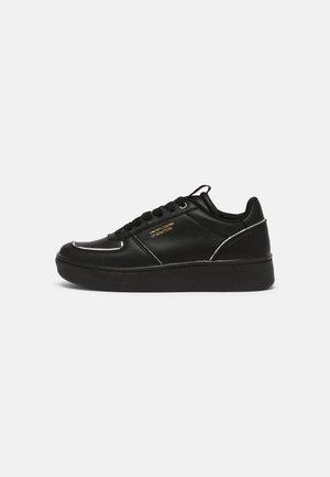 HUNT - Zapatillas - black