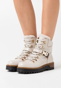 Alpe - TIANA - Ankle boots - hielo - 0