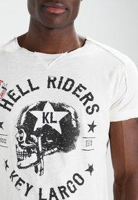 Key Largo - HELL RIDERS - Print T-shirt - offwhite - 3
