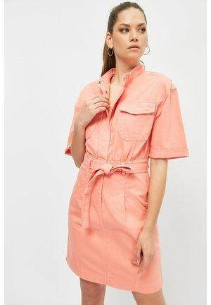 Spijkerjurk - pink