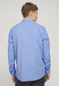 TOM TAILOR DENIM - GEMUSTERTES - Shirt - light blue dot clipper - 2