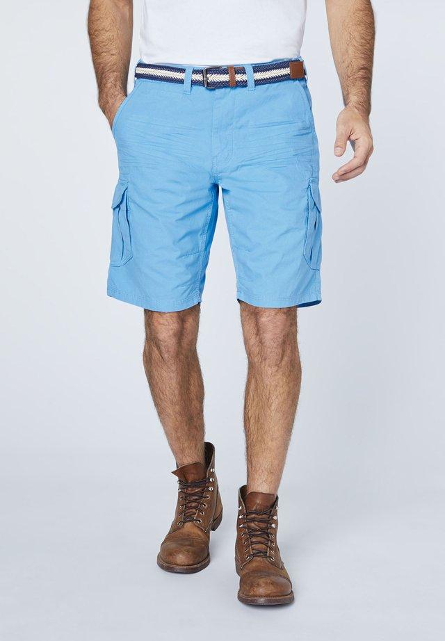 MIT GÜRTEL - Shorts - bonnie blue