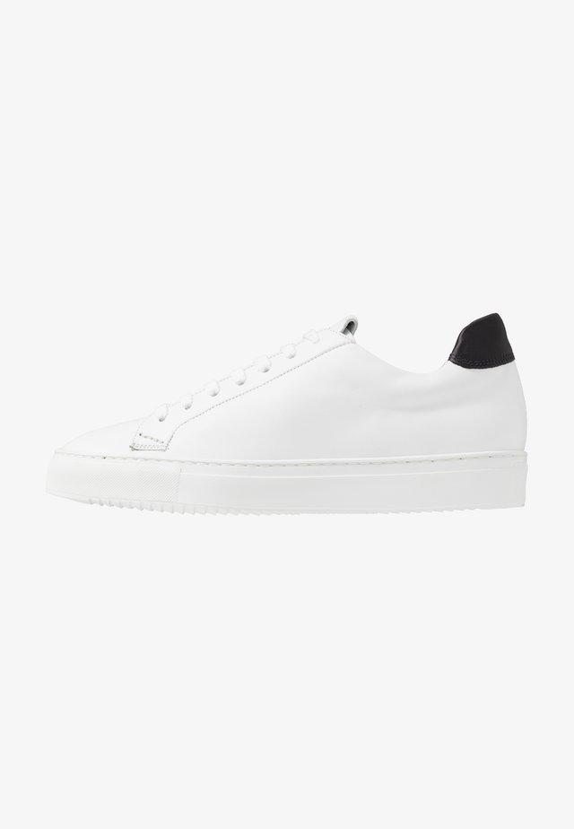 Sneakersy niskie - argan nero/bianco