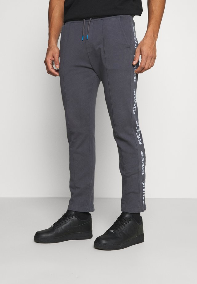 DONOVAN - Tracksuit bottoms - steel grey