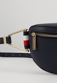 Tommy Hilfiger - CORE BUMBAG CORP - Bum bag - blue - 6