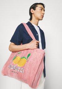 Fiorucci - LA PESCA TOWELLING TOTE BAG UNISEX - Tote bag - pink - 0