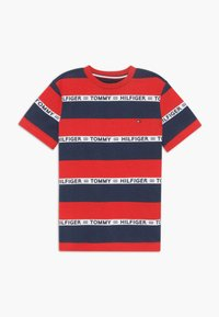 Tommy Hilfiger - BOYS STRIPE TAPE - Camiseta estampada - red - 0