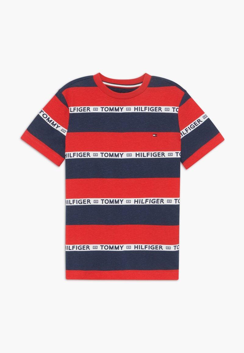 Tommy Hilfiger - BOYS STRIPE TAPE - Camiseta estampada - red