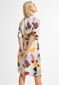 comma casual identity - Day dress - blush abstract geo - 2