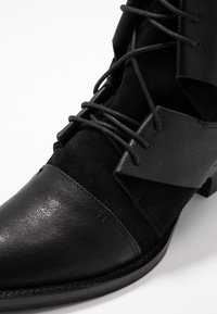 Day Time - KARRIE - Lace-up ankle boots - matrix nero - 2