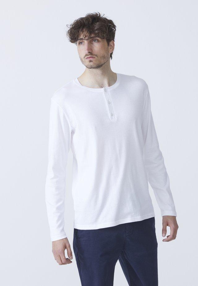 LARRY - Langærmede T-shirts - white
