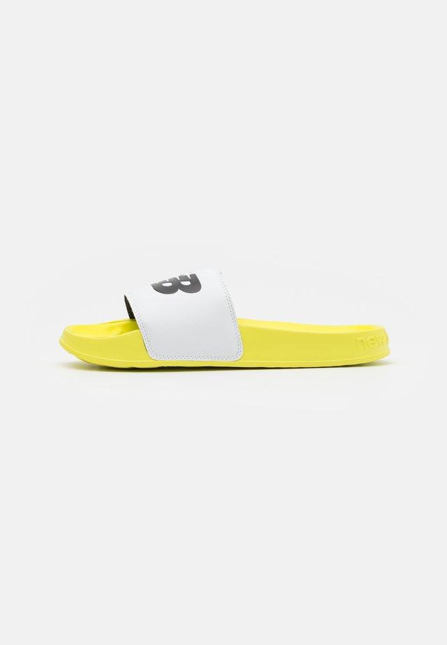 SMF200 UNISEX - Sandalias planas - yellow