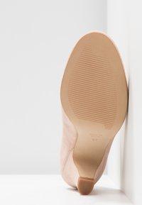 LAB - Classic heels - make-up - 6