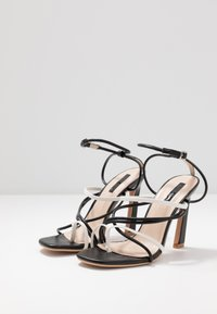 Lost Ink Wide Fit - STRAPPY MIXED COLOUR  - Korolliset sandaalit - black - 4