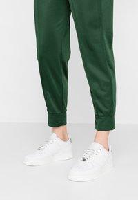Nike Sportswear - AIR FORCE - Trainers - platinum tint/summit white - 0