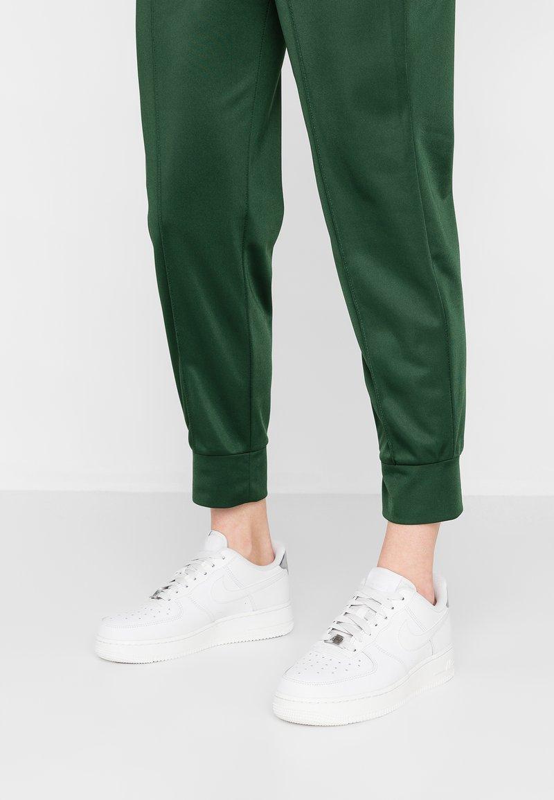Nike Sportswear - AIR FORCE - Trainers - platinum tint/summit white