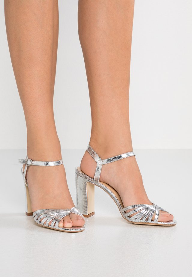 VINTO - High Heel Sandalette - prata