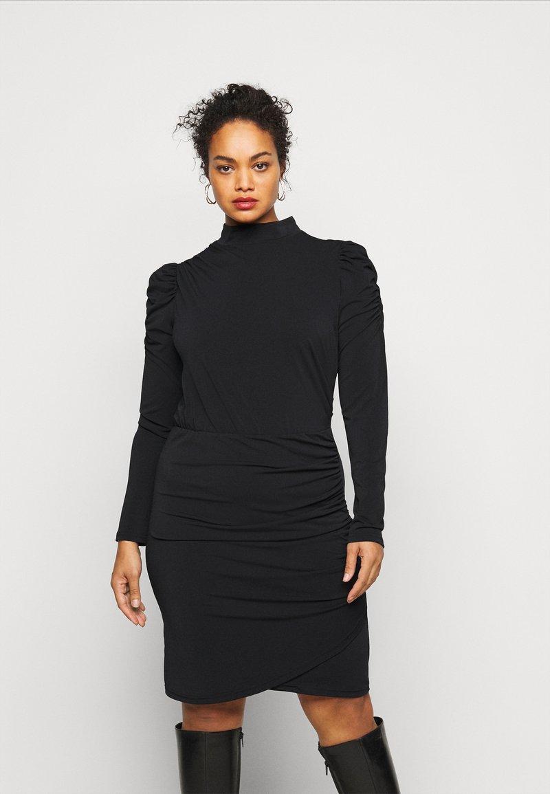 Vero Moda Curve - VMJAYDA SHORT DRESS BOO - Pouzdrové šaty - black