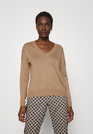 BASIC- SOFT V-NECK - Sweter - camel