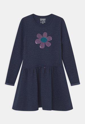 Sukienka z dżerseju - indigo