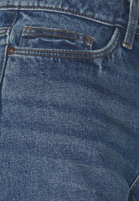 Noisy May Petite - NMSMILEY SHORTS PETIT - Shorts di jeans - medium blue denim - 2