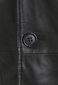 Goosecraft - KAI COAT - Krátký kabát - black - 6