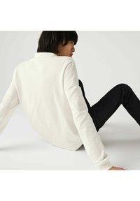 Lacoste - Polo shirt - blanc/rouge/bleu - 3