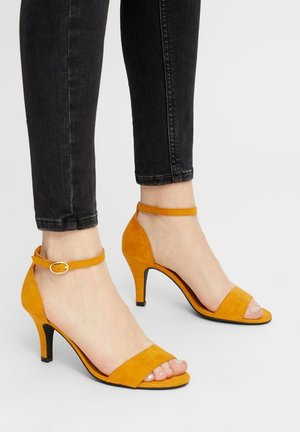 BIAADORE BASIC  - High heeled sandals - mustard