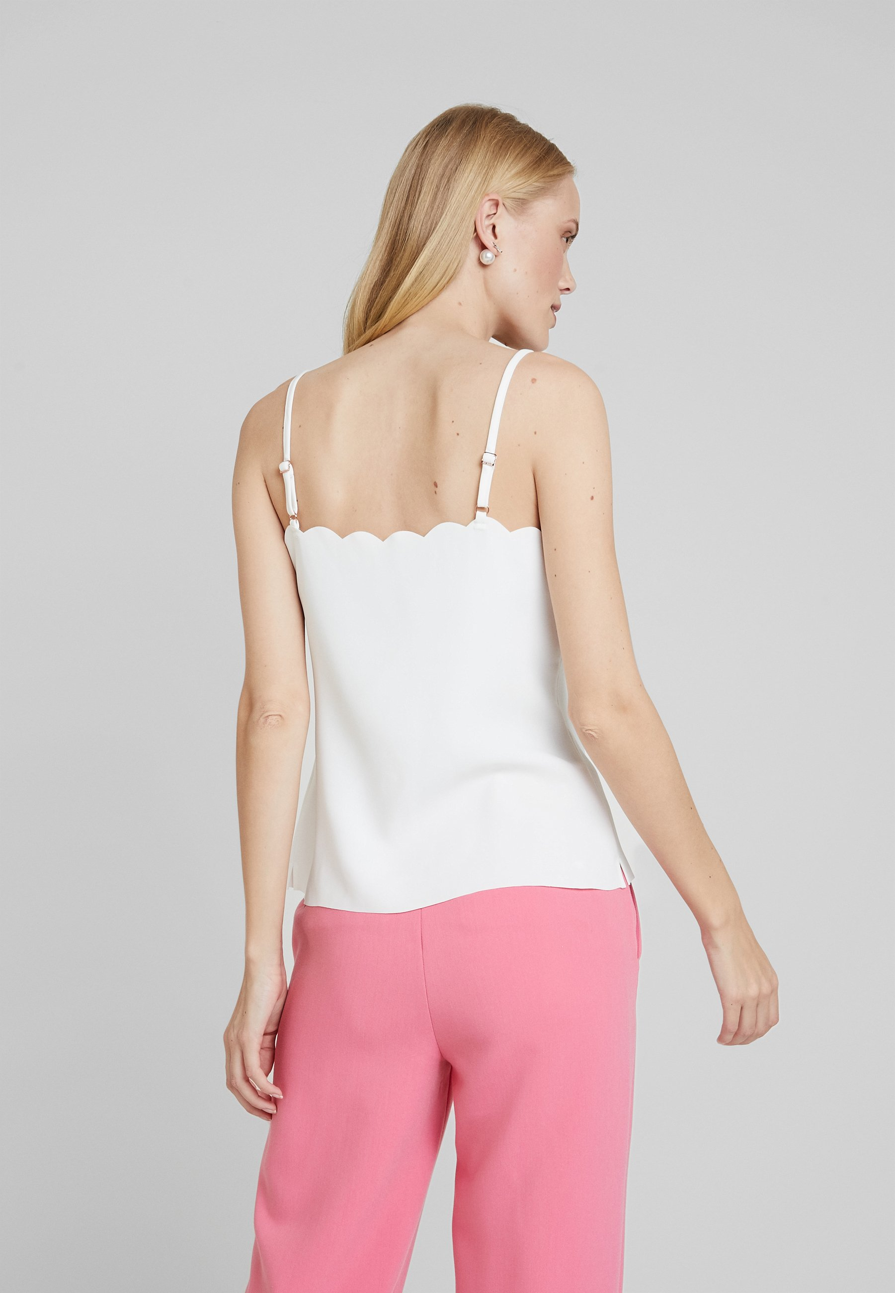 Ted Baker SIINA SCALLOP NECKLINE CAMI TOP - Débardeur - ivory - Tops & T-shirts Femme nQxvD