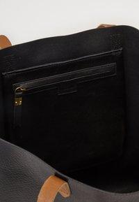 Madewell - TRANSPORT TOTE - Tote bag - true black/brown - 3