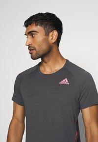 adidas Performance - ADI RUNNER TEE - Print T-shirt - dark grey solar grey - 3