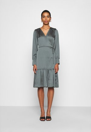 MINNIE WRAP DRESS - Day dress - balsam green