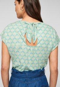 s.Oliver - Print T-shirt - ocean green aop - 2