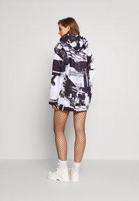 Jaded London - OVERSIZED HOODIE DRESS - Freizeitkleid - black/white - 2