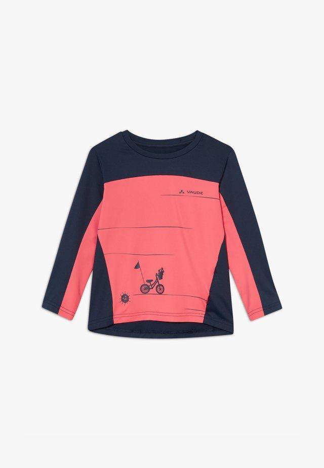 SOLARO  - Rash vest - bright pink