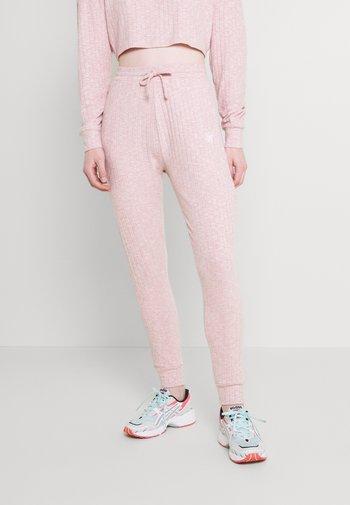 LOUNGE PANTS - Tracksuit bottoms - pink