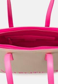 Valentino Bags - PORTIA - Tote bag - ecru/fuxia fluo - 3