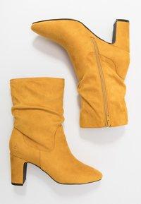 Bullboxer - Kotníkové boty - cury - 3