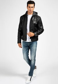 Guess - Faux leather jacket - mehrfarbig schwarz - 1