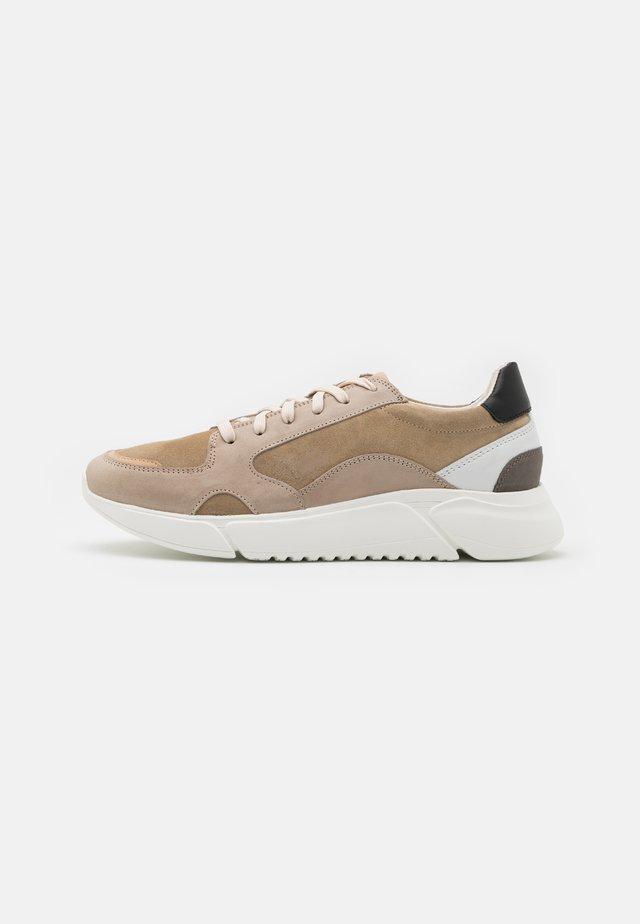 RAGE - Sneakers laag - beige