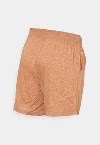 MAMALICIOUS - MLTHILDE  - Shorts - sunburn/snow white - 1